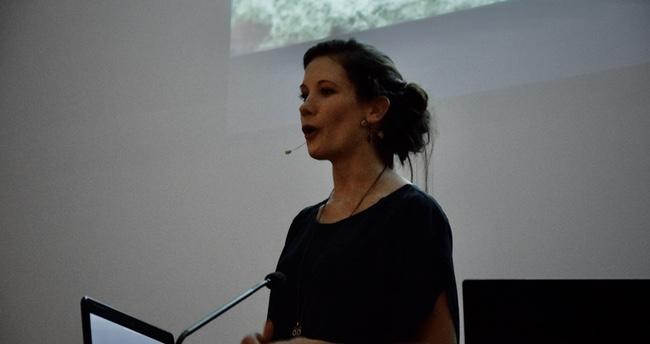 Eline Dekeyster spreker